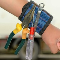 Magnetic wrist strap, to carry your metal tools while working